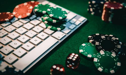 Spotting Poker Bots