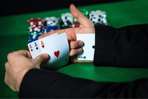 Apakah Kasino Cheat di Blackjack?